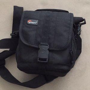 Lowepro camera bag - Aventura 120 - black
